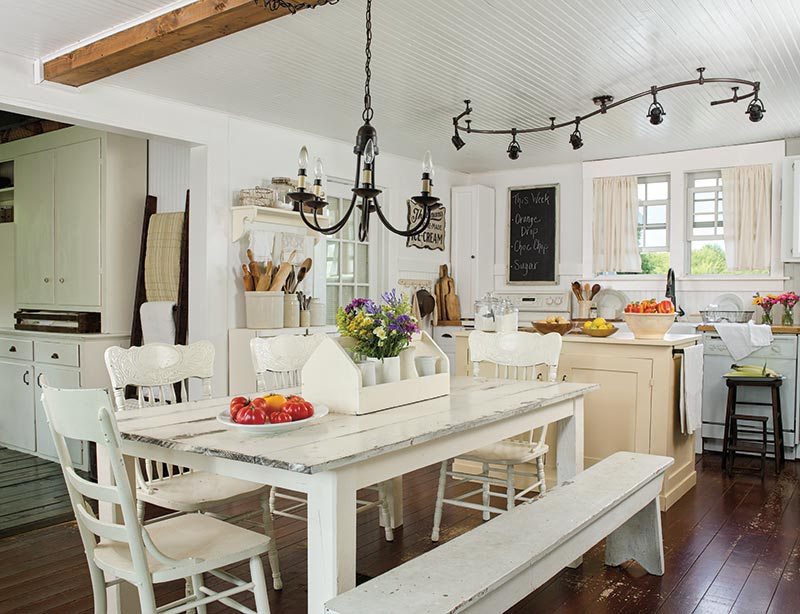 Farmhouse Is Not Just All White Which Farmhouse Style Is For You Farmhouse Style Magazine Editor S Blog