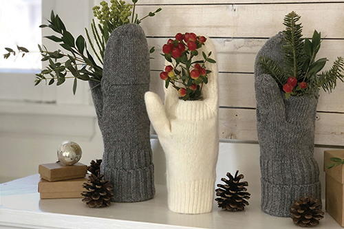 Turn Mittens into Vases